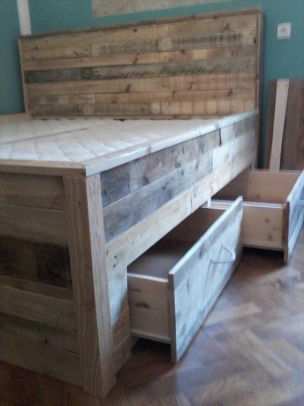 pallet-bed-tutorial—built-in-drawers-under-the-bed