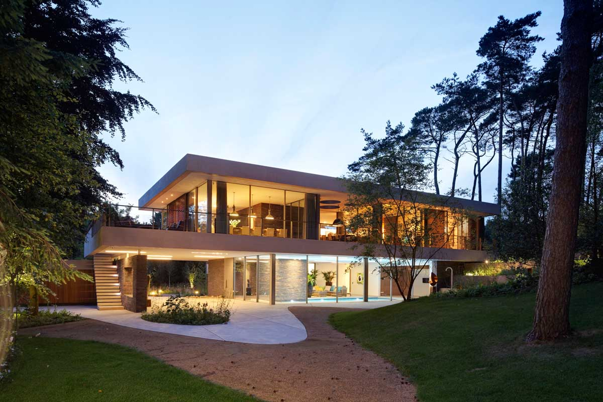the-exterior-of-this-home-complements-its-gorgeous-natural-surroundings-7