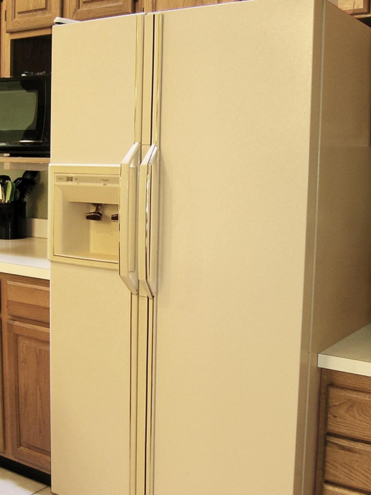 CI-Liquid-Stainless-Steel_Painted-Refrigerator-Before_s3x4.jpg.rend.hgtvcom.1280.1707