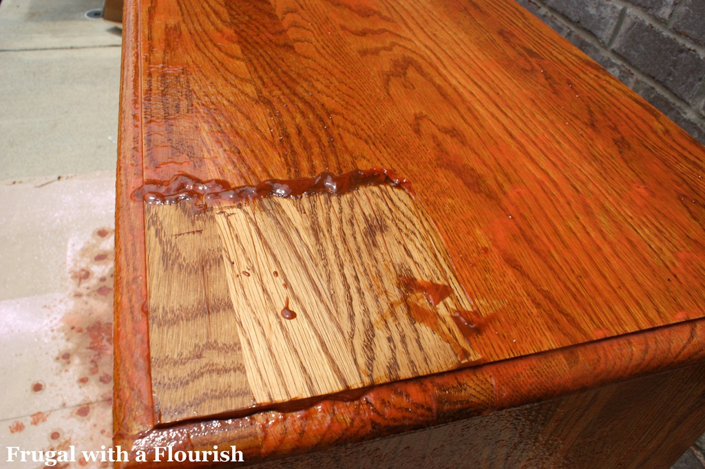 Remove the stains from the furniture_1