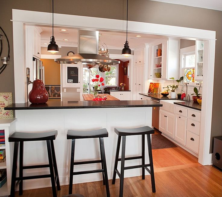 Kitchen Peninsula With Column: A Kitchen Peninsula Is A Great Addition To An Open Kitchen