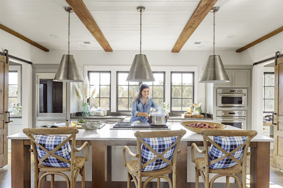 gallery-1505326524-modern-barn-kitchen-1017